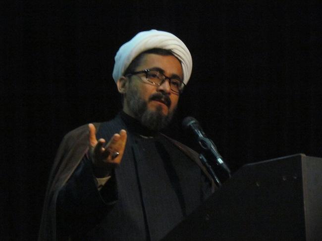 فعالیت بیش از ۱۰ هزار سایت بر علیه اسلام / محور دشمنان تخریب بنیان خانواده است