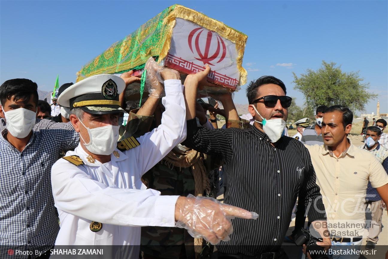 تشییع پیکر شهید فلکنازی در روستای دهتل بستک