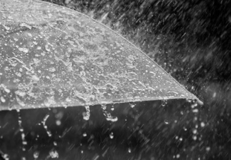 بارش رحمت الهی در بستک/ پر شدن برکه ها وخوشحالی مردم